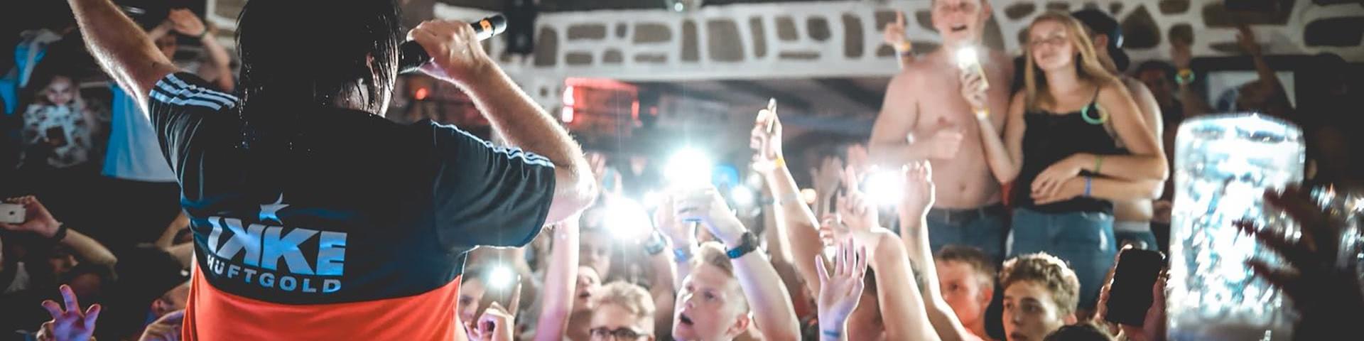 Auftritt von Ikke Hüftgold im Partystadel in BUlgarien
