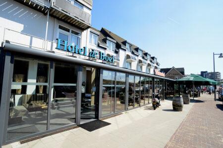 Außenansicht Hotel de Boei in Egmond aan Zee