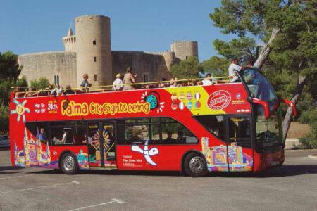 Hop-on-hop-off-Bus in Palma auf Mallorca