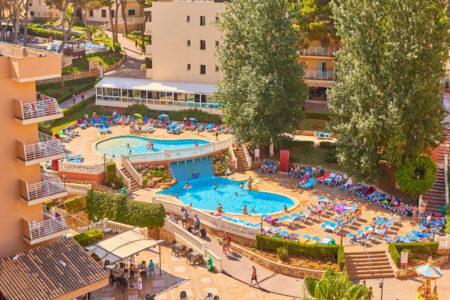 Pool am Hotel MLL Palma Bay Resort auf Mallorca