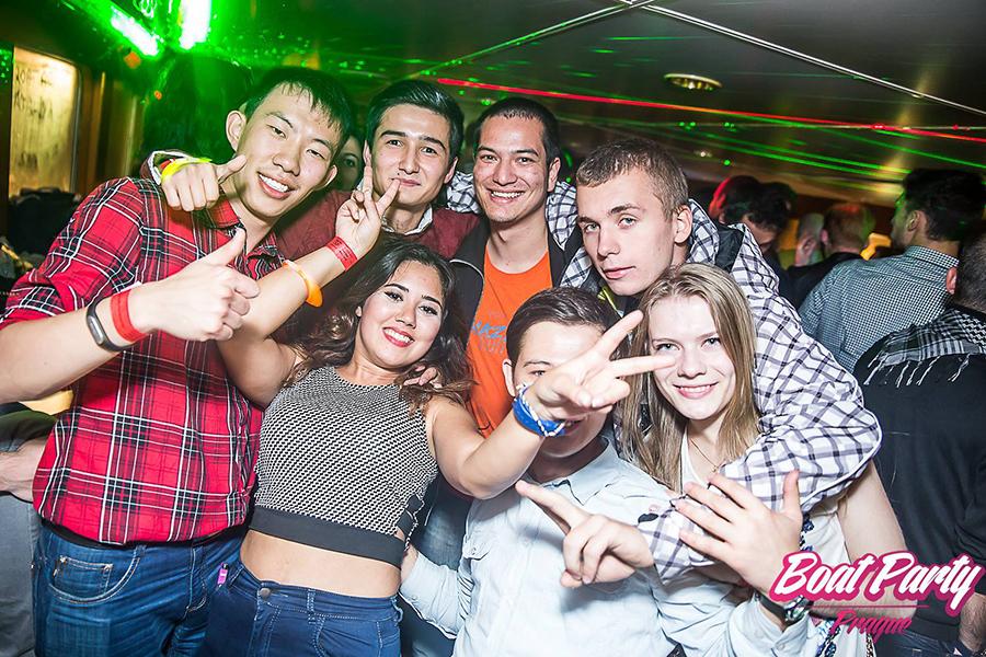 Partystimmung bei der Boatparty in Prag
