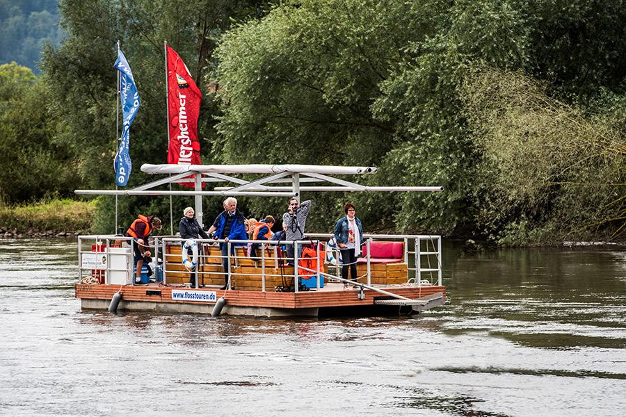 Flossafahrt auf der Weser im Weserbergland