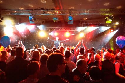 Party bei einem Live-Auftritt beim Abschlussfest in Willingen
