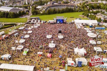 Luftbild volle Veranstaltungsfläche von Viva Willingen